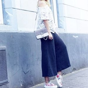 FOREVER 21 Blue Twill Culotte Trousers